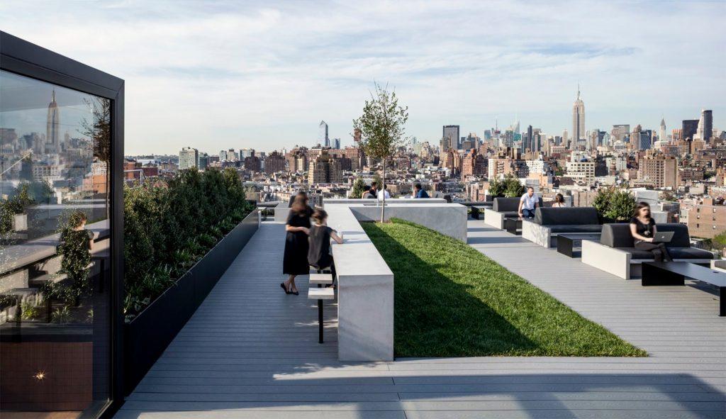 Produtividade no escritório: rooftop da SquareSpace
