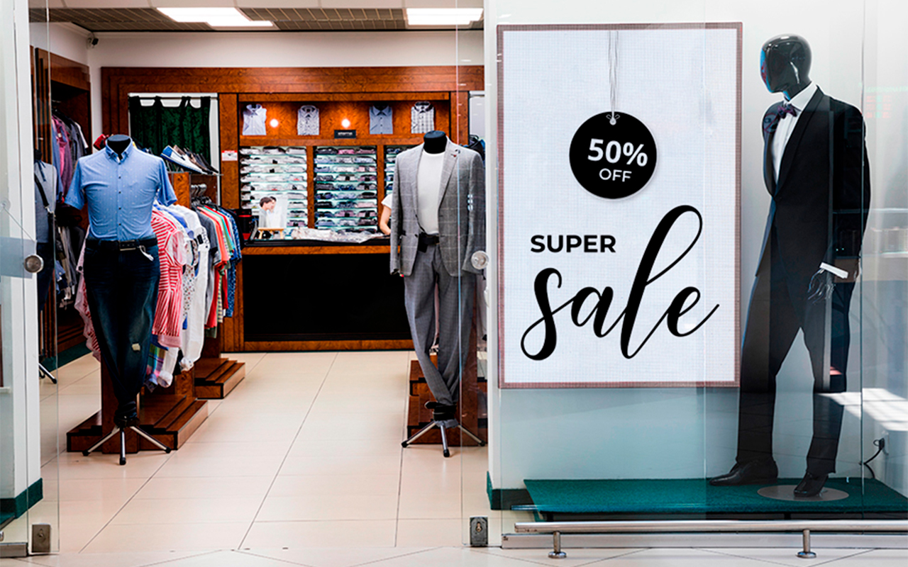 Vitrine digital em loja de shoping
