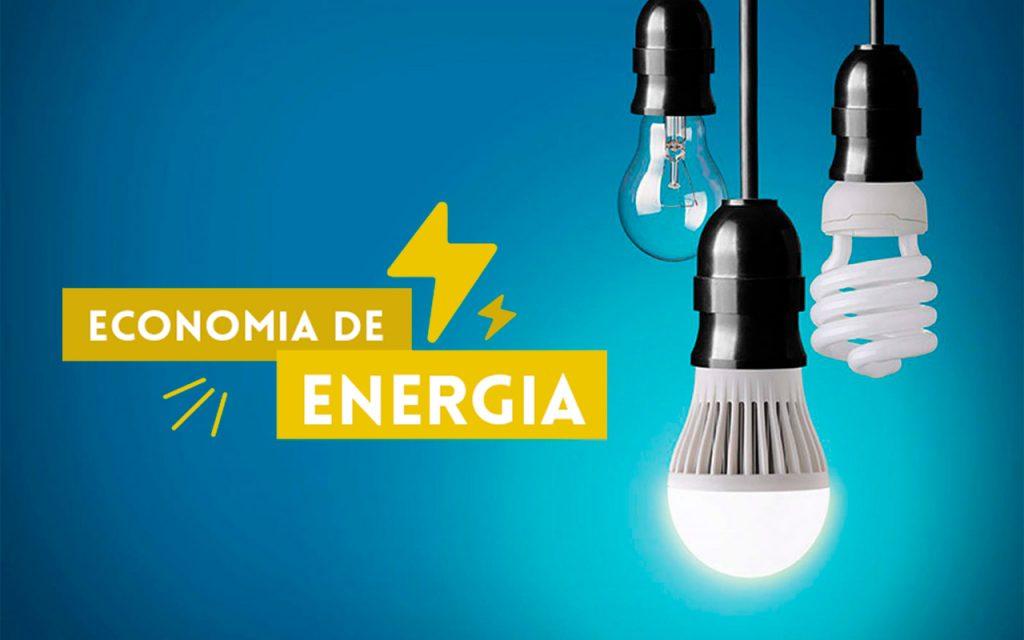 lâmpadas de diferentes tipos sobre fundo azul com dizeres Economia de Energia
